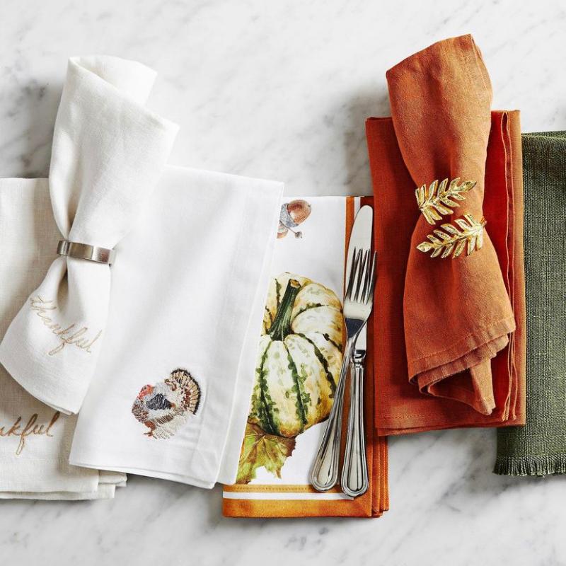 Thanksgiving themed table napkins & linens